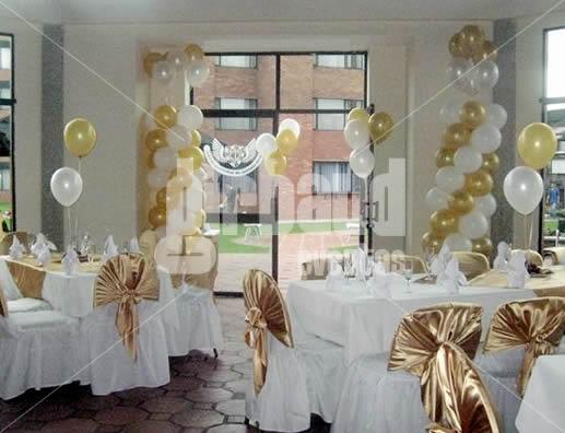 Arreglo salon globos dorados imagui for Decoracion con globos 50 anos